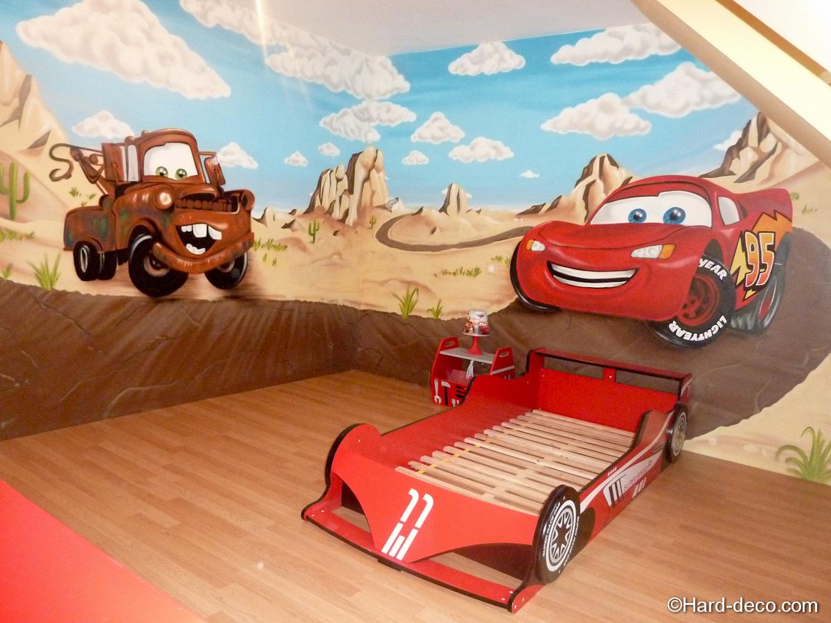 Chambre Pour Garcon De 6 Ans : décoration graffiti sur le thème cars