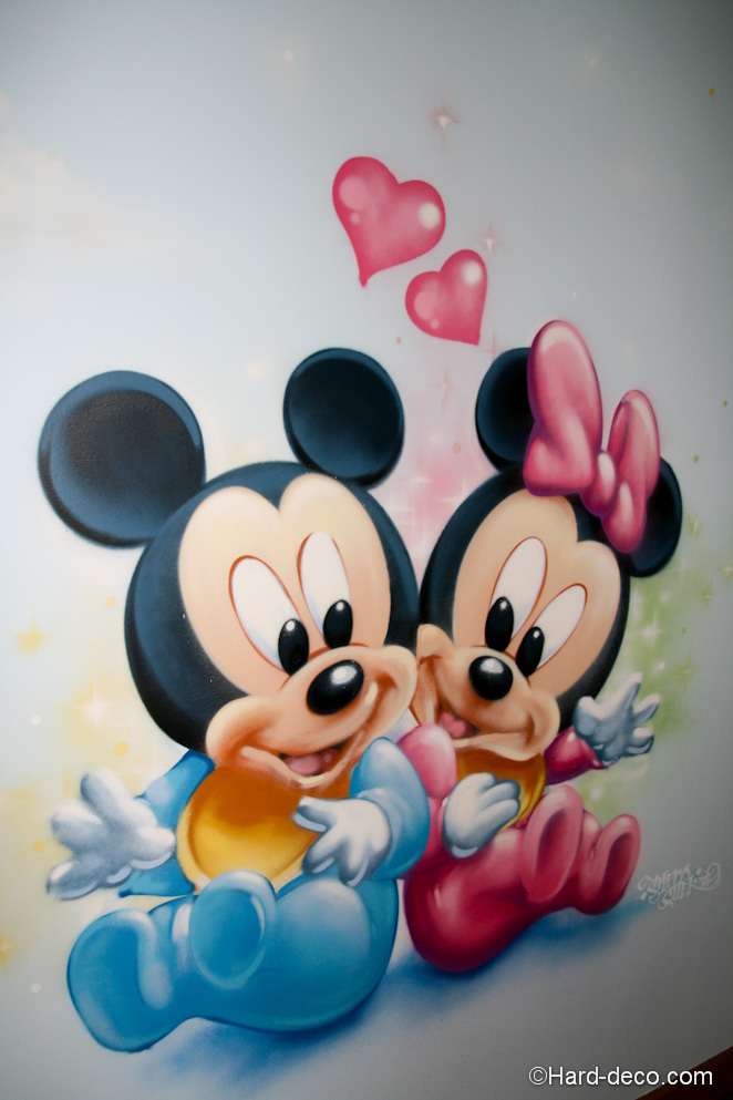deco aerosol chambre mickey minnie