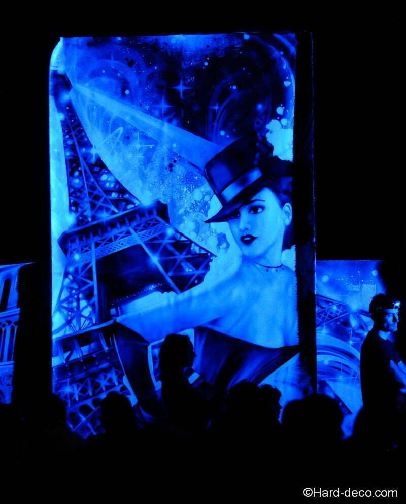fresque monument paris tour eiffel pinup night