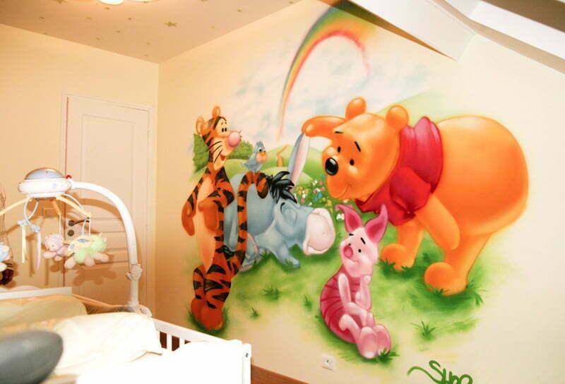 Chambre Petite Fille Lilas : graffiti decoration winnie tigrou porcinet 1 4