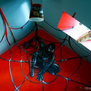 Black Spiderman en déco trompe l'oeil dans une chambre d'ado