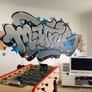 Graffiti Mathis réalisé dans une salle de jeux