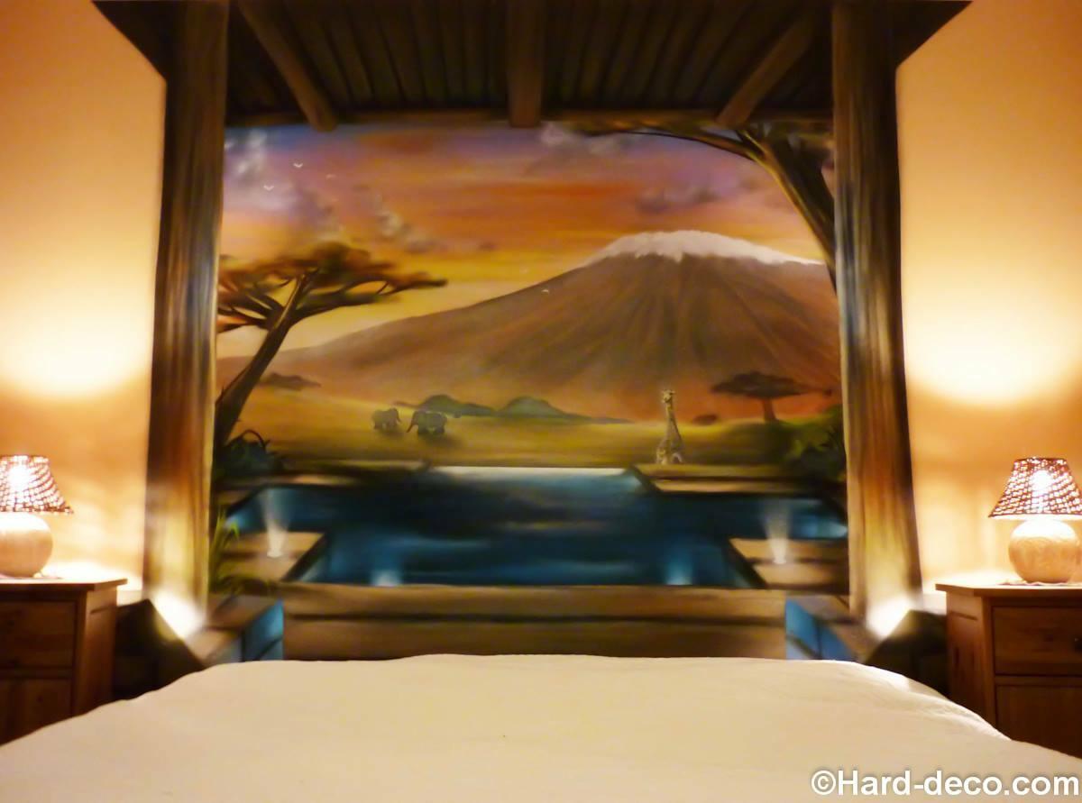 Trompe l\'oeil en tête de lit : African lounge