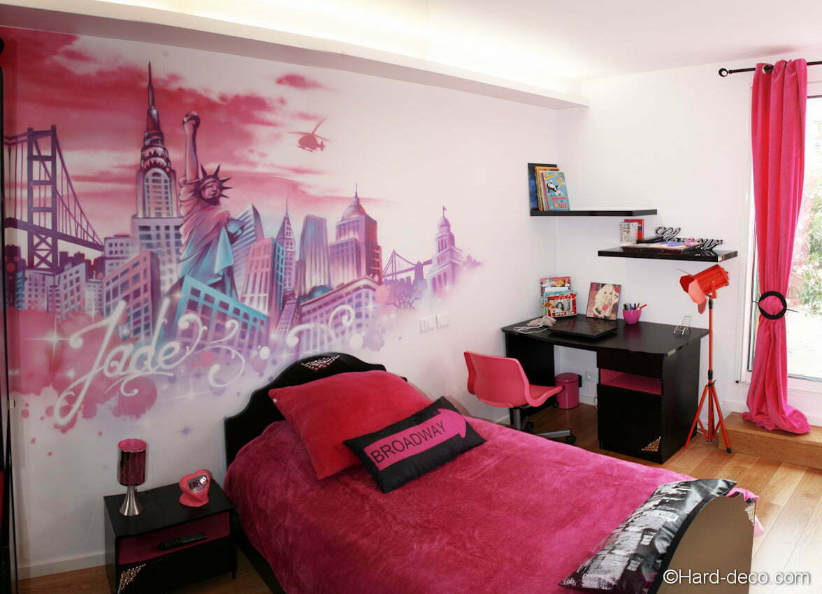 chambres de filles d coration graffiti hard deco. Black Bedroom Furniture Sets. Home Design Ideas