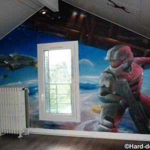 Fresque espace dans la chambre d'un ado fan du jeu vidéo Halo