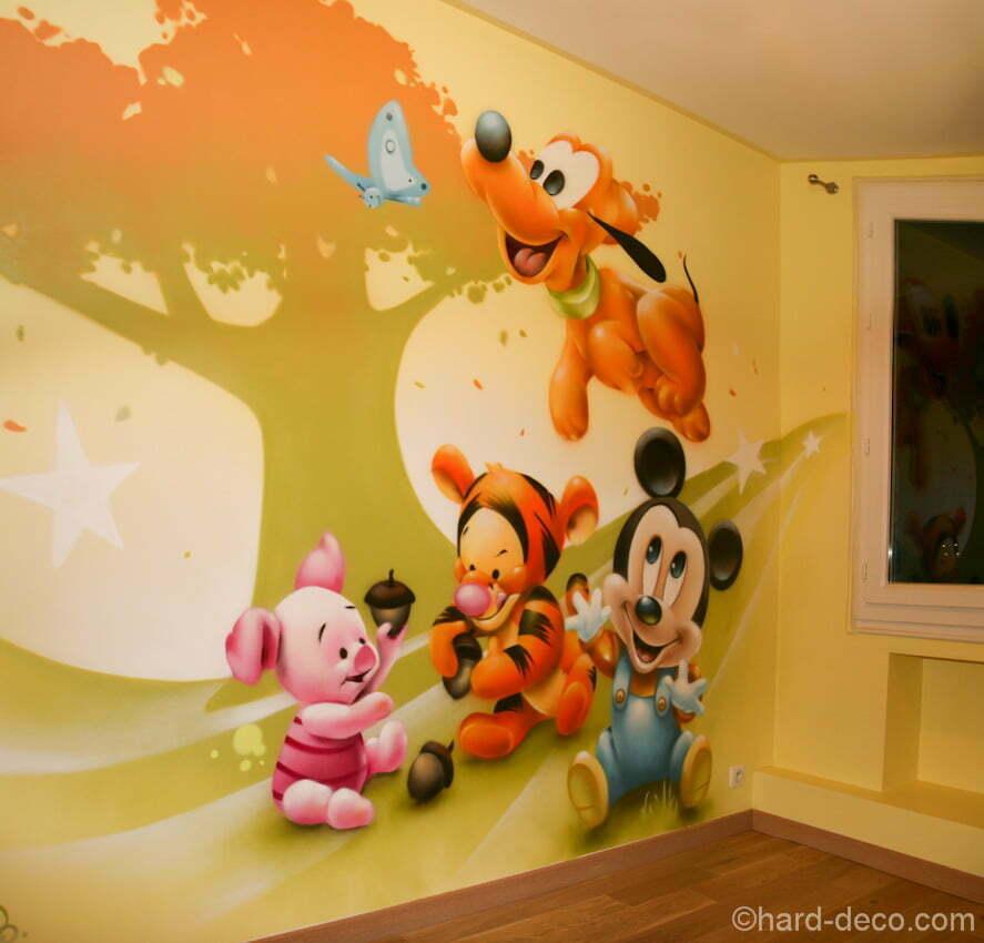 Décoration personnages Mickey Pluto Tigrou et Porcinet