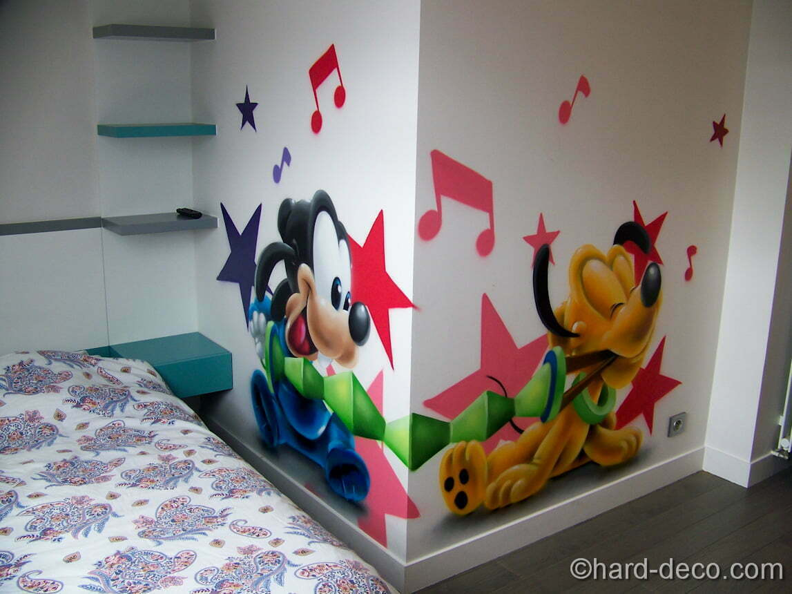 d cors sur le th me des personnages b b s disney. Black Bedroom Furniture Sets. Home Design Ideas