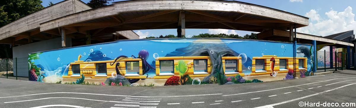 Super Fresque dans une cours d'école maternelle : Train sous marin DP02