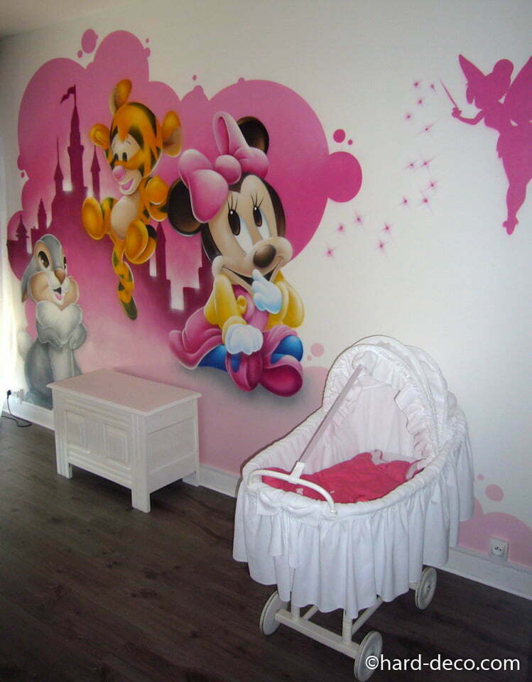 d coration d 39 une chambre d 39 enfant avec les b b s disney. Black Bedroom Furniture Sets. Home Design Ideas