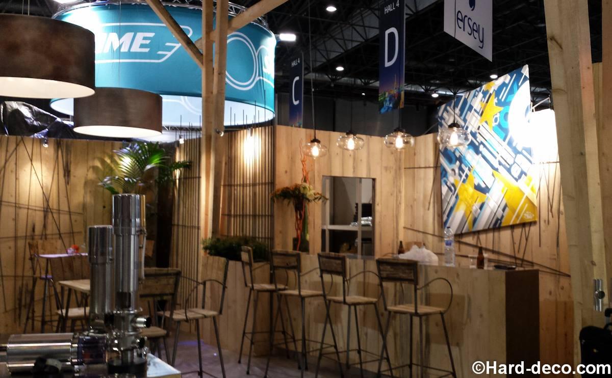 Toile pour eurobinox d co de stand dans un salon parisien for Stand de salon