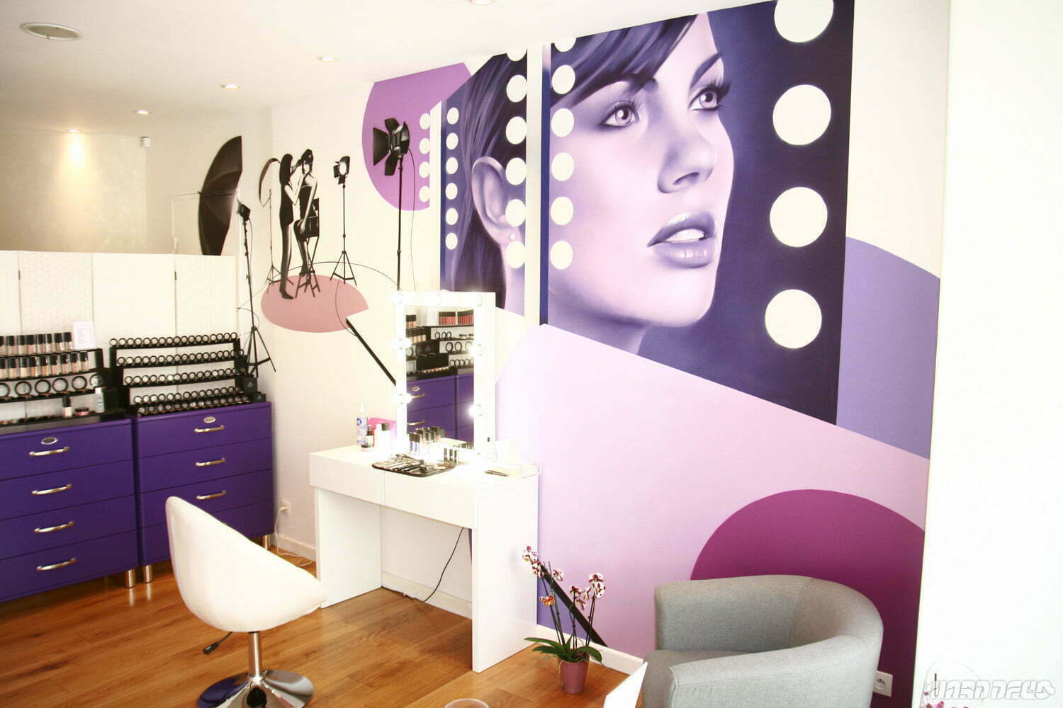Fresque d corative pour un salon de beaut for Chambre youtubeuse beaute
