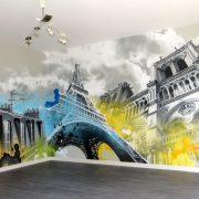 Fresque décorative sur le thème des monuments de Paris