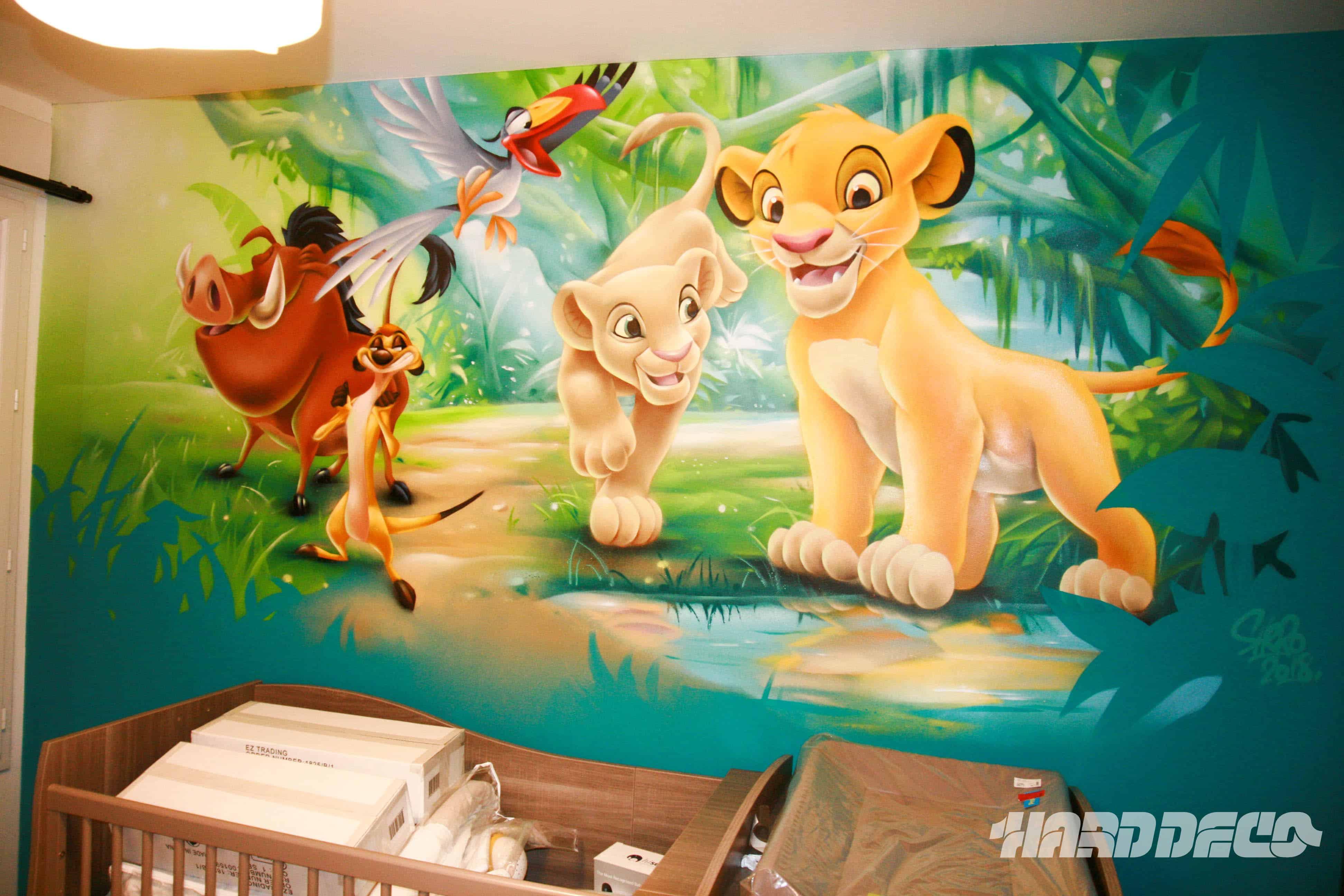 Chambres de filles d coration graffiti hard deco for Decoration chambre le roi lion