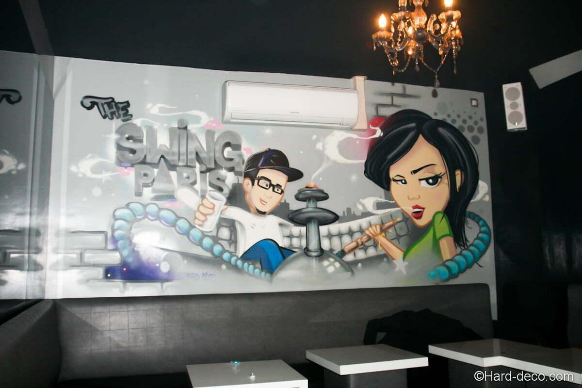 La fresque au style street art réalisé dans la salle fumeur du bar à chicha