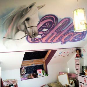 Graffiti Chloé pour une chambre de princesse et son incontournable cheval blanc