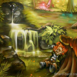 Un Korrigans fait une sieste au bord la rivière