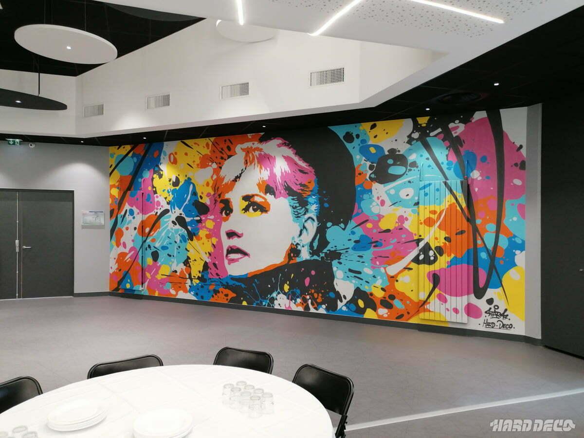 Décoration murale street art à la mairie de Saclay