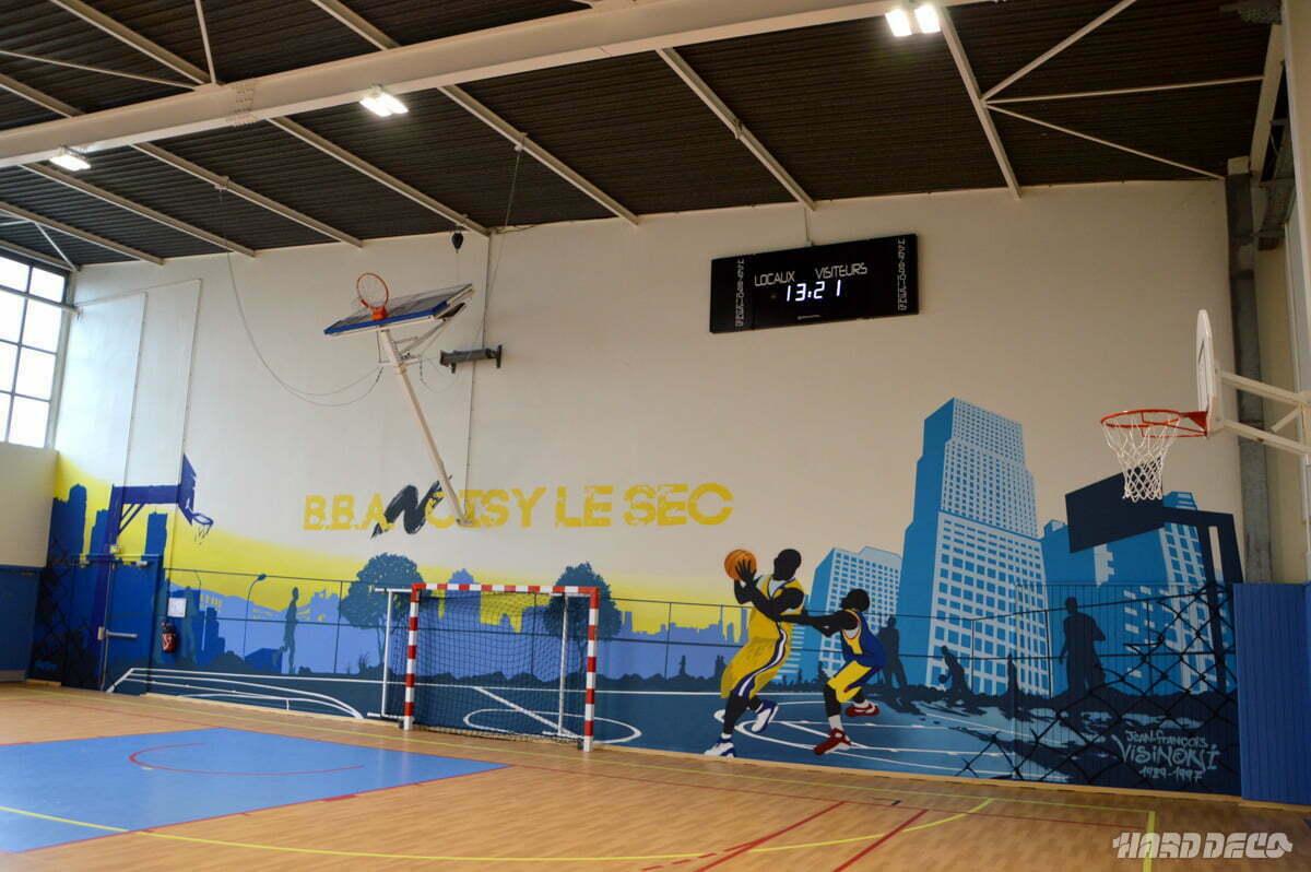Fresque dans un gymnase à Noisy le sec sur le thème du basket